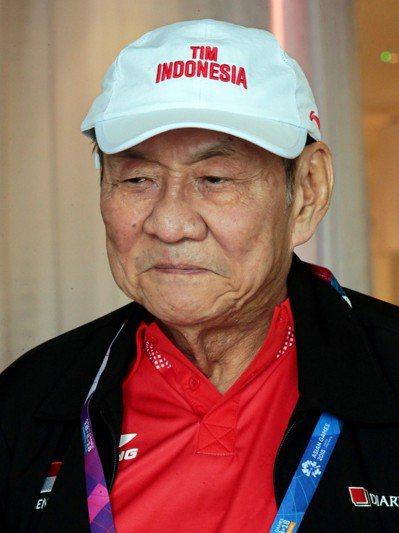 8歲印尼首富黃惠祥在橋藝超級混和團體項目,為印尼摘下銅牌,成為本屆最年長的印尼奪...