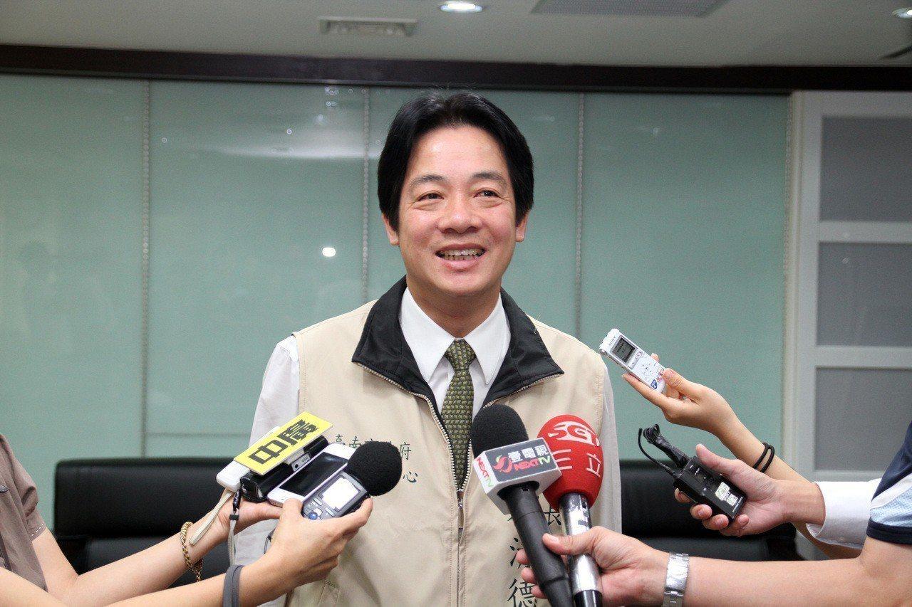 2012年天秤颱風來襲,台中以南縣市日僅台南市沒放假,時任台南市長賴清德被封為「...