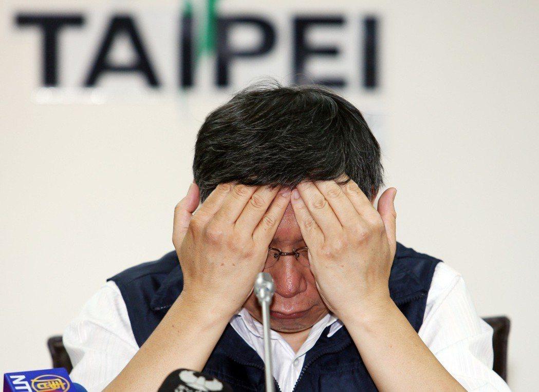 颱風假怎麼放令縣市長頭痛,台北市柯文哲曾與新北、基隆市共同宣布下午4點起停班停課...