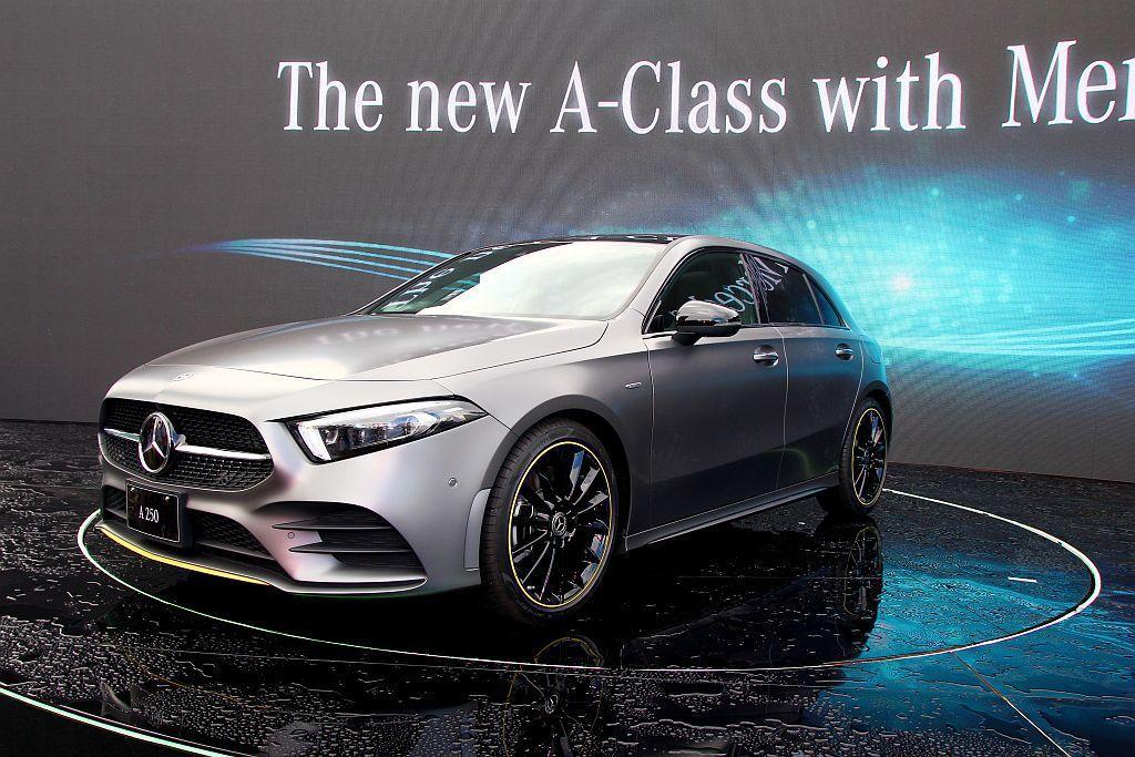 許多人期盼許久的全新第四代賓士A-Class,終於正式在台發表上市。 記者張振群/攝影
