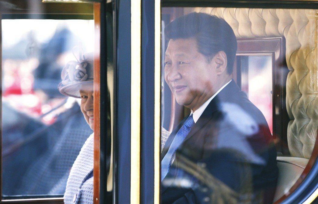 中國政府對其海外投資案,經過一連串的教訓與繳了大筆學費後,似乎體認到不能只憑著「...