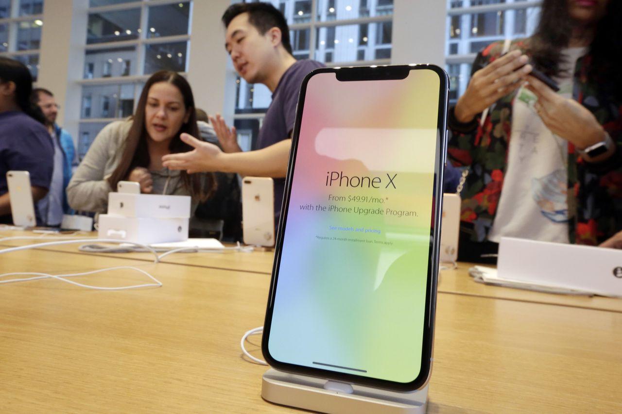傳新款iPhone螢幕尺寸都不小於iPhoneX。美聯社