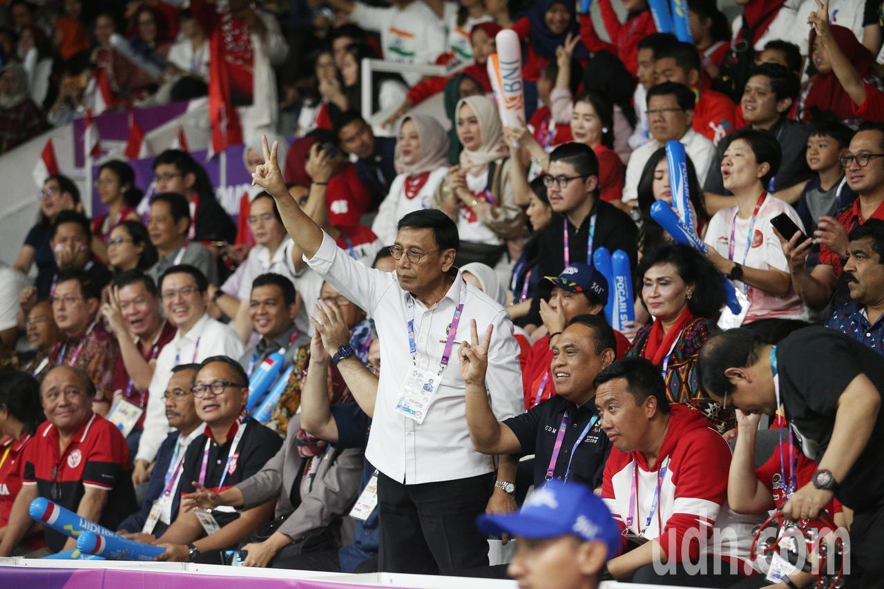 印尼多位官員在旁為選手加油。特派記者陳正興/雅加達攝影