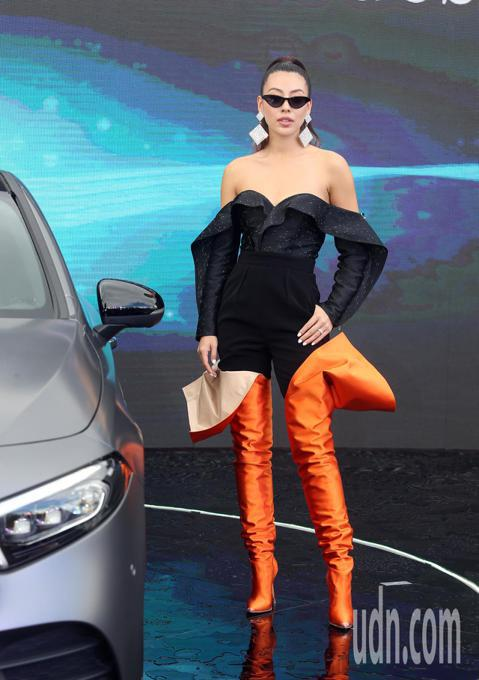 蔡詩芸出席賓士The new A-class新車發表會。