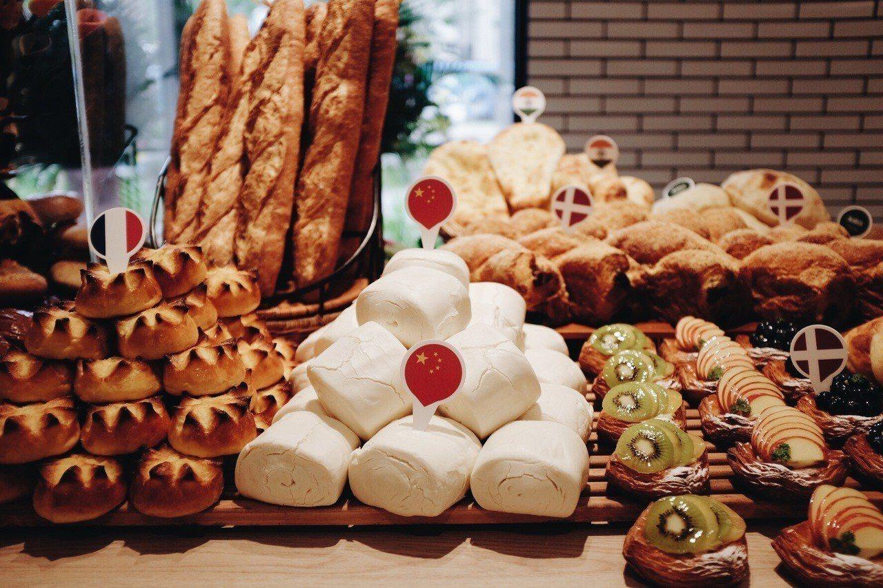 世界麵包故事館擁有各國特色麵包。記者沈佩臻/攝影