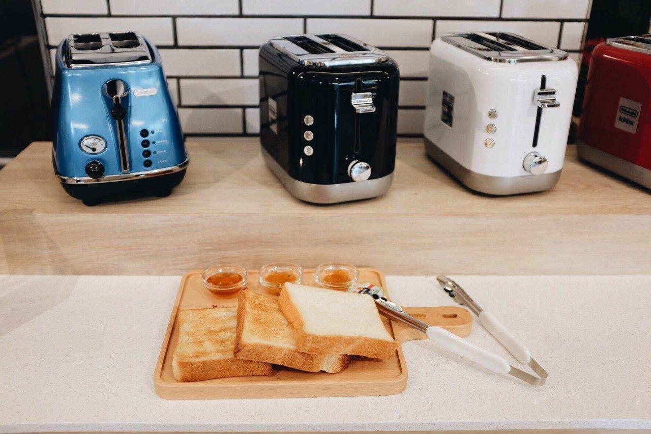 吐司吐司麵包餐,售價280元,附一杯鮮奶或紅茶。記者沈佩臻/攝影