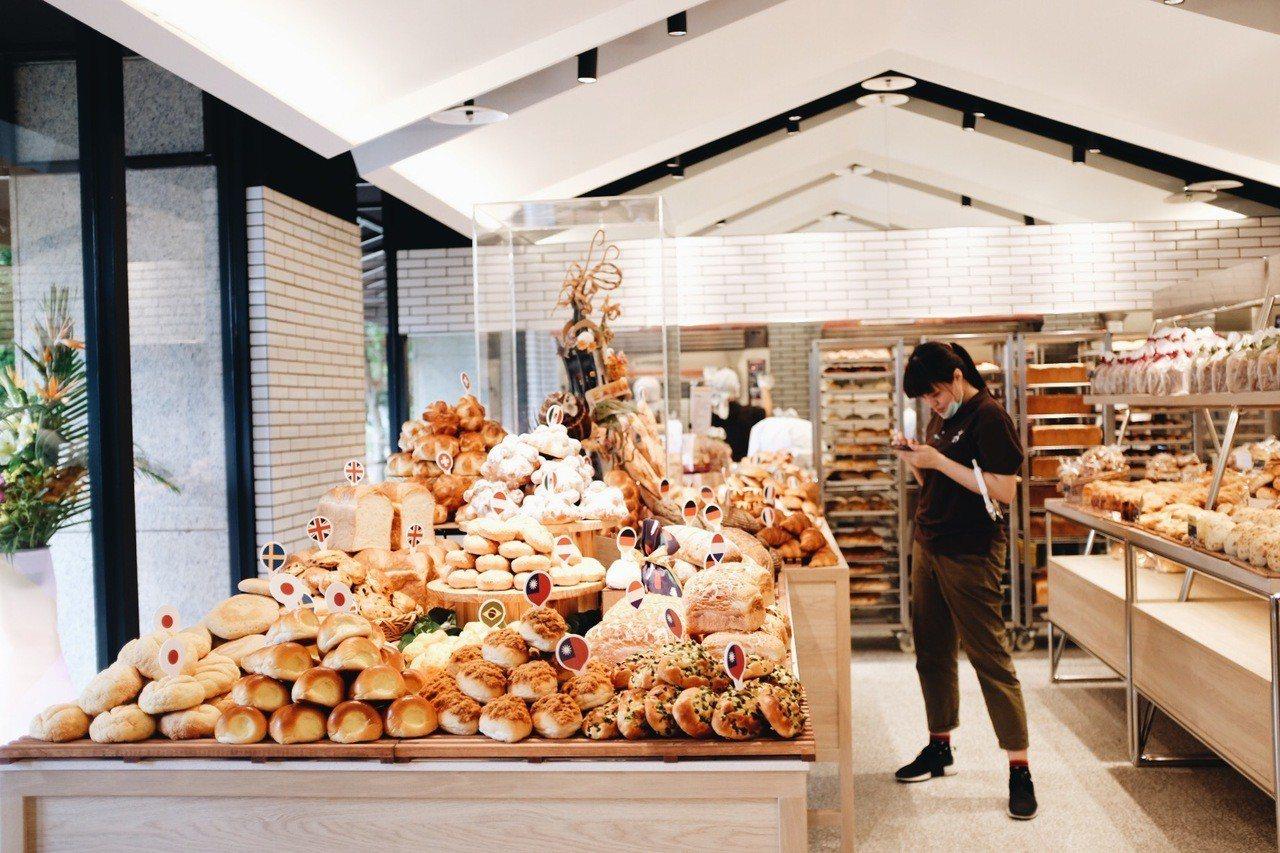 世界麵包故事館集結逾60款麵包,其中有超過10款世界特色款。記者沈佩臻/攝影