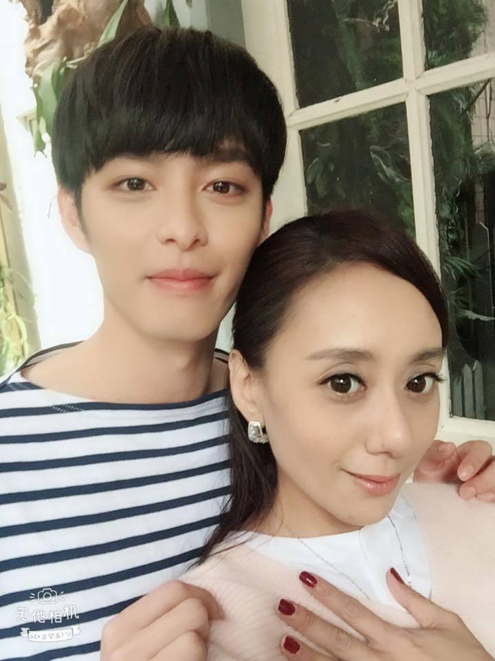 曹佑寧(右)和高慧君首度合作飾演母子。圖/歐銻銻娛樂提供