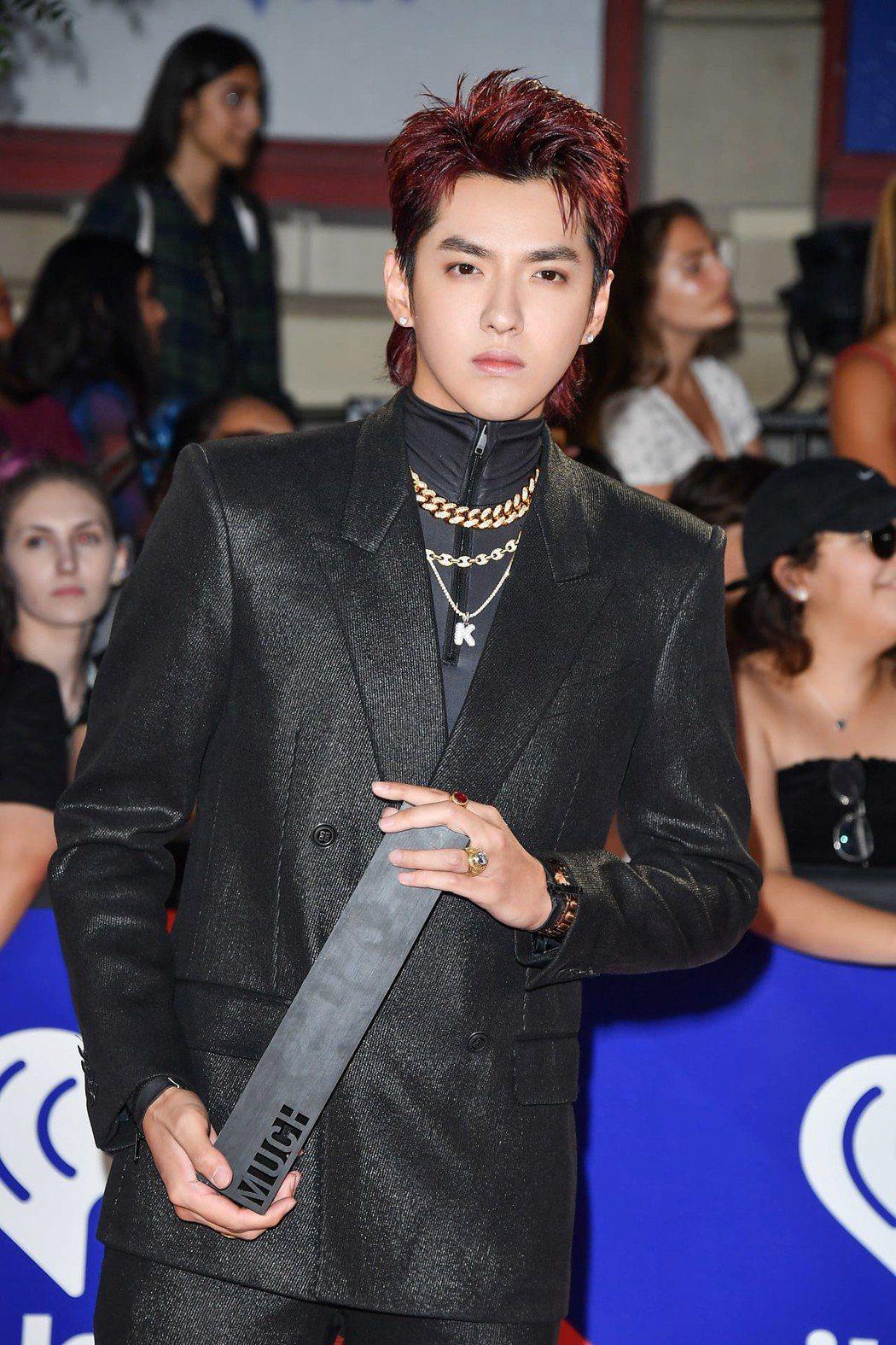 吳亦凡抱回2018 iHeartRadio MMVAs的最受歡迎新人獎。圖/ge...