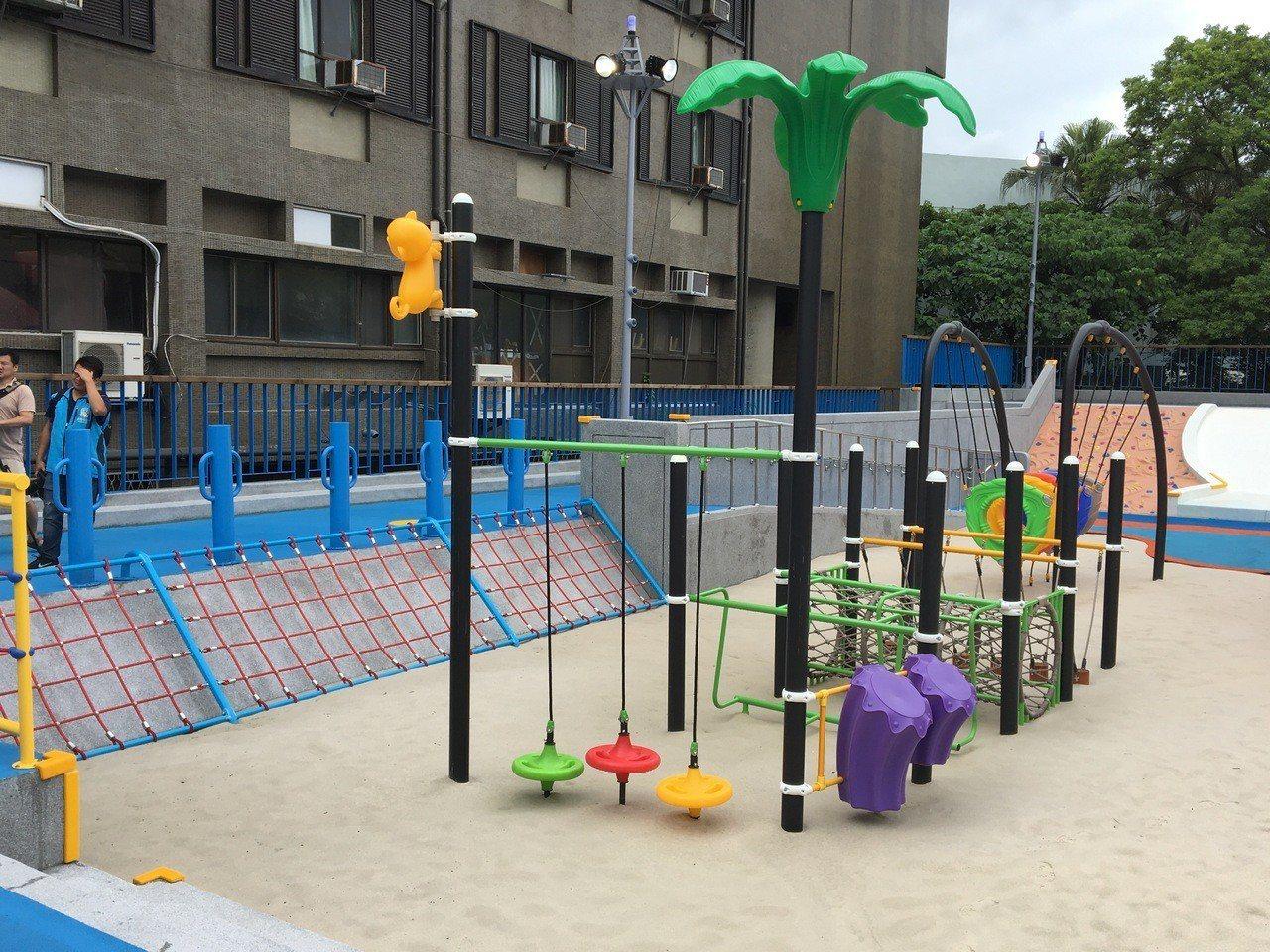 花蓮第一座與遊樂器材共融的戲沙池已完工,將成為花蓮親子同樂好去處。記者徐庭揚/攝...