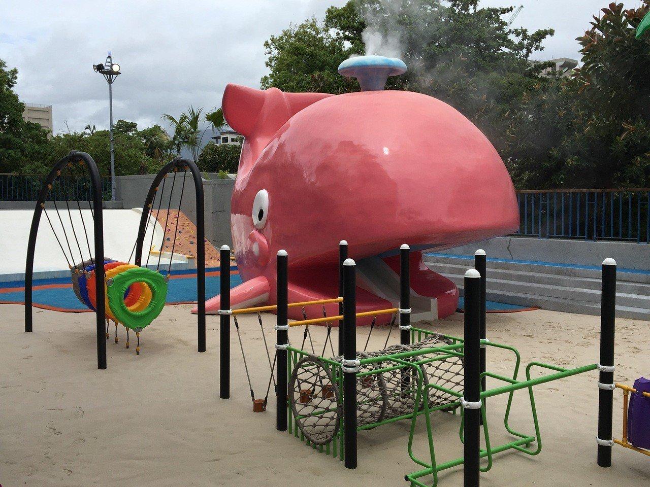 日據時代興建、閒置多年的花蓮市花崗山游泳池,花蓮市公所改建再利用,打造成兒童戲沙...