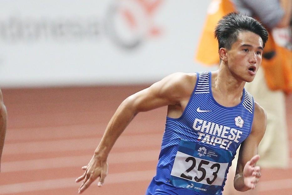 中華田徑隊小將魏泰陞(右一)無緣男子200公尺決賽。特派記者陳正興/雅加達攝影