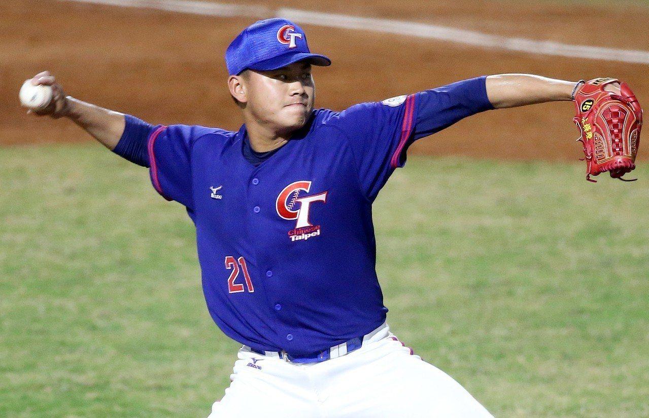 雅加達亞運棒球賽,林樺慶在預賽對印尼中繼1局無失分。特派記者余承翰/雅加達報導