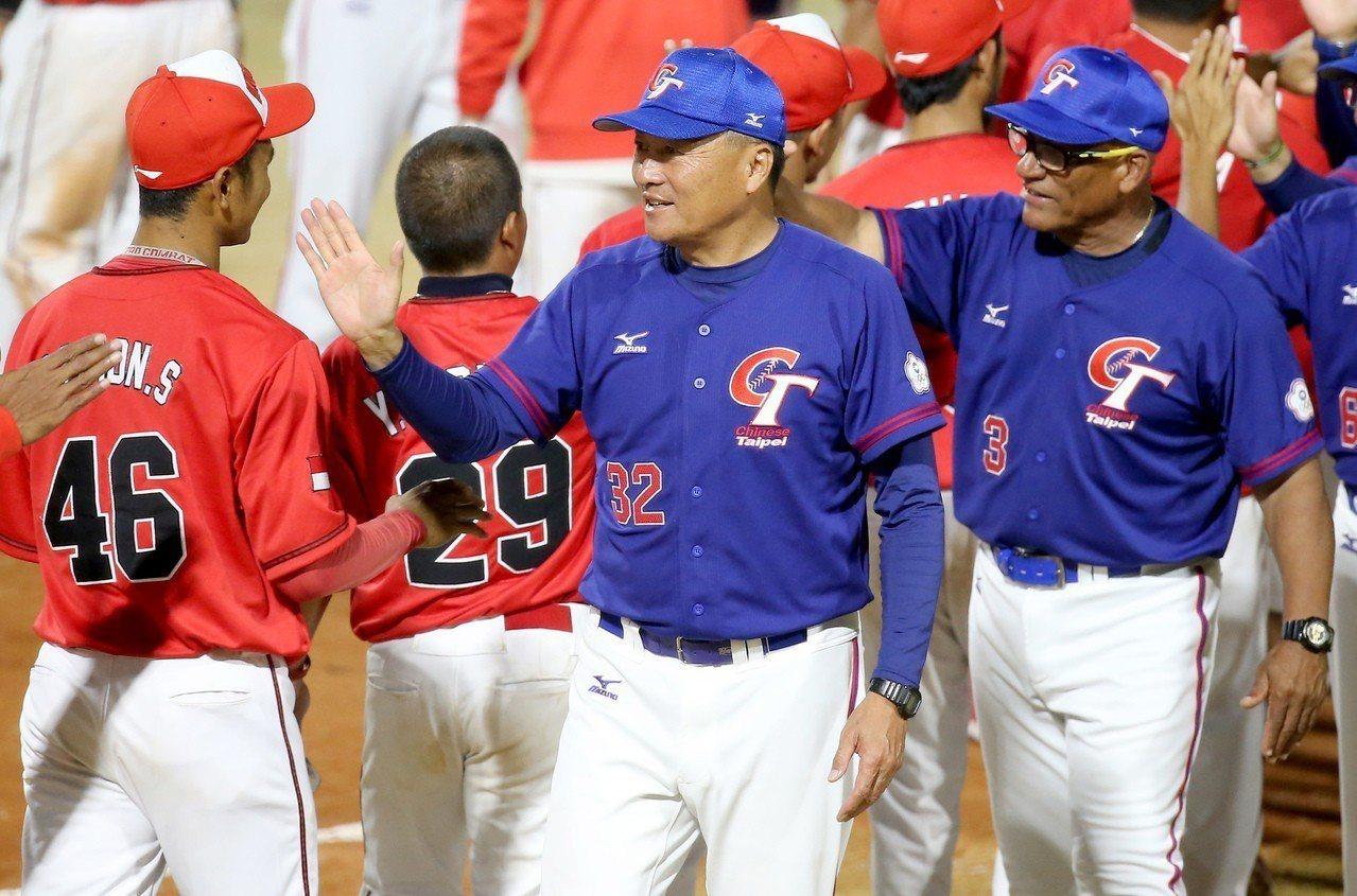 雅加達亞運棒球賽,中華隊在預賽15:0擊敗印尼。特派記者余承翰/雅加達報導