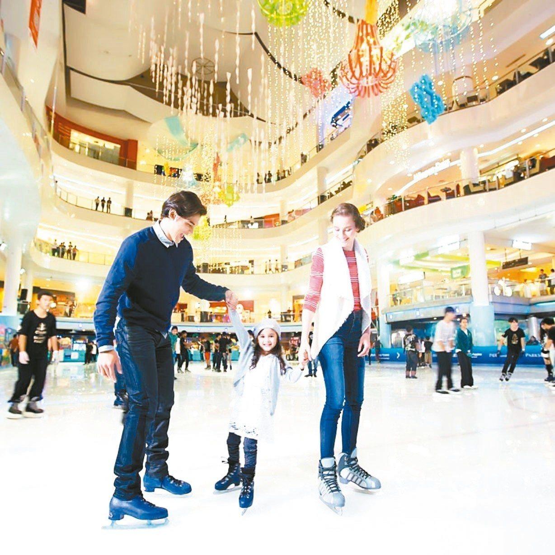 雙威金字塔溜冰場是馬來西亞第一個世界級的冰上娛樂場所。 圖/馬來西亞觀光局提供