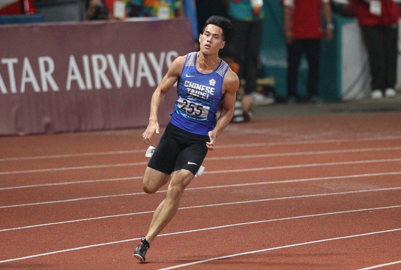 楊俊瀚在男子200公尺決賽「銀」恨。 中央社
