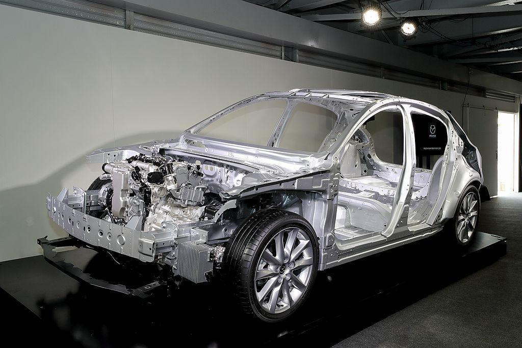 今年Mazda技術最大的變革,不僅有新底盤平台還有Skyactiv-X引擎。 圖...