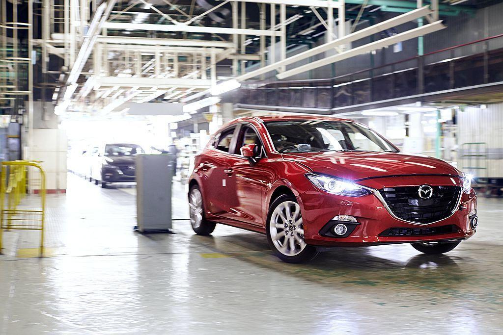 位於日本的Mazda新車生產基地,目前仍持續生產第三代Mazda3,不過日媒爆料...