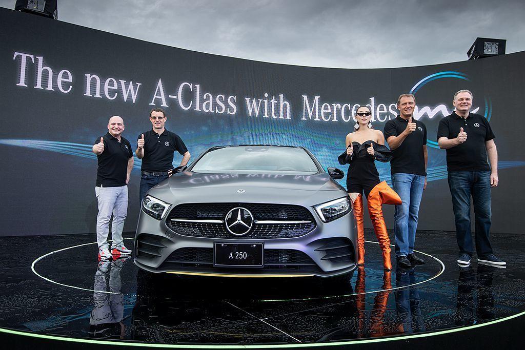 全新第四代賓士A-Class正式在台灣發表,新穎的智能聲控調吸引許多人目光。 圖/Mercedes-Benz提供