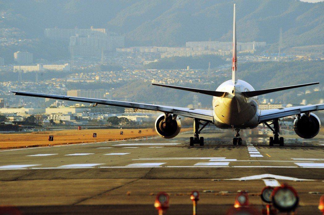 日本航空業的人力荒,狀況正急速惡化,近因是2010年開始蓬勃發展的廉價航空,遠因...