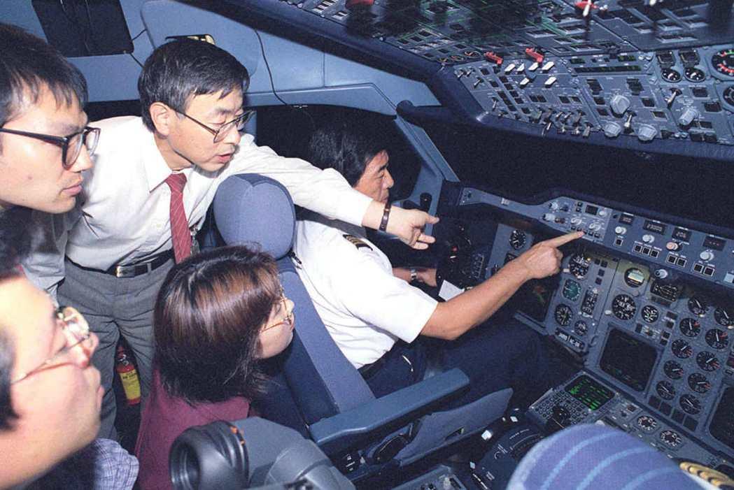 規模較小的航空業者如日本佳速航空(JAS)等,也紛紛擴充機隊,搶食新興的航線,一...