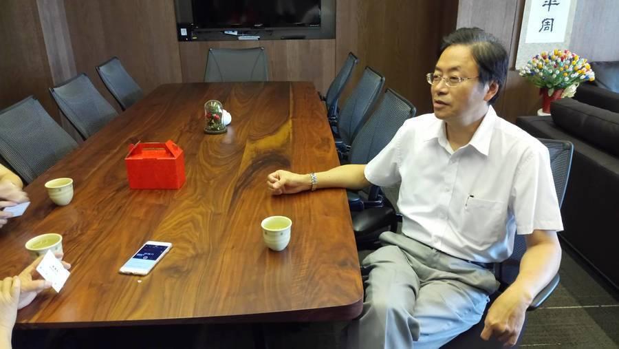 前行政院長29日接受本報專訪時表示,此次雨勢過大,淹水確實並不能完全怪政府,但政...