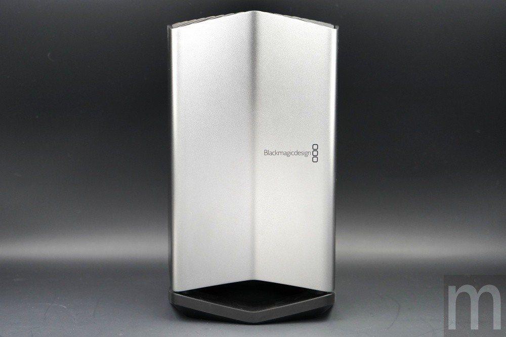 與目前市面常見的外接顯示卡盒不同,蘋果與Blackmagic Design合作設...