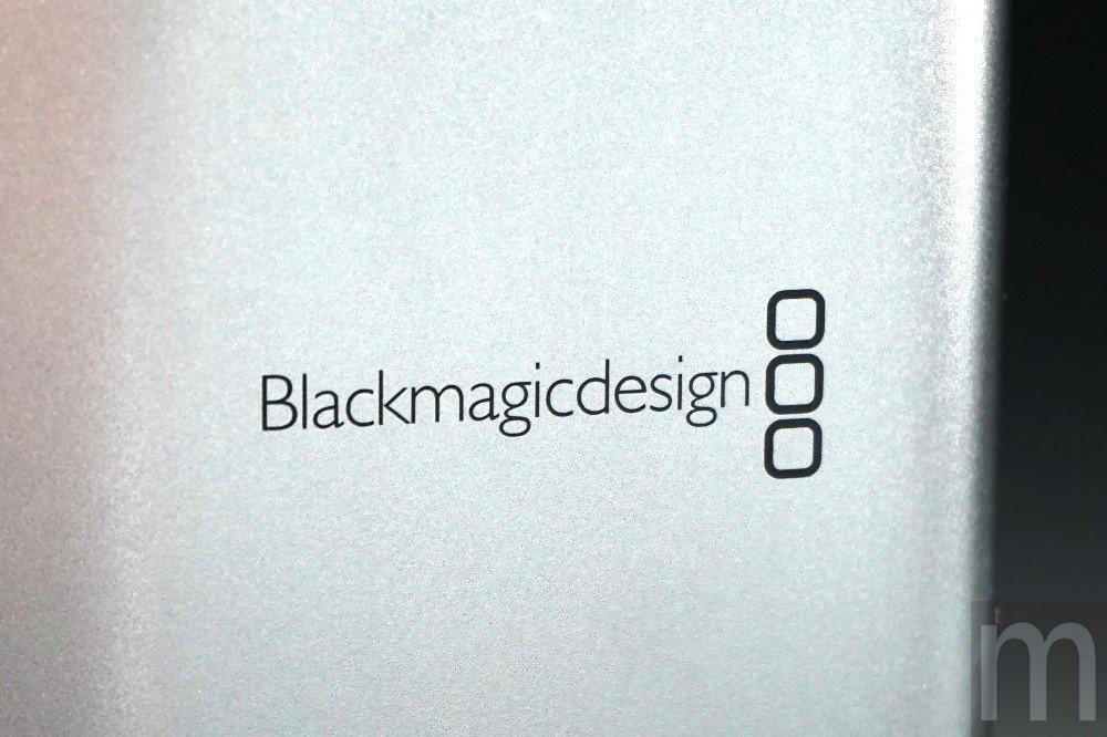 外觀上採簡約設計的Blackmagicdesign標誌
