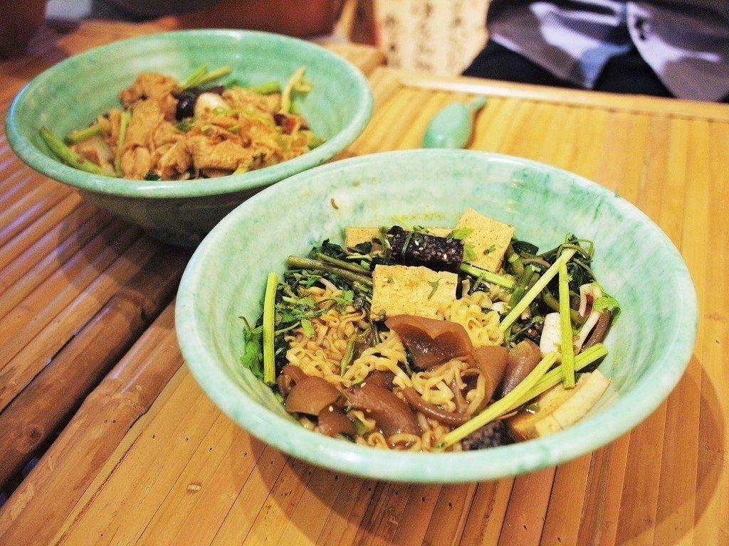 (圖/台灣旅行趣) ▲一起吃飯的好處就是一次可以吃兩個口味啊!