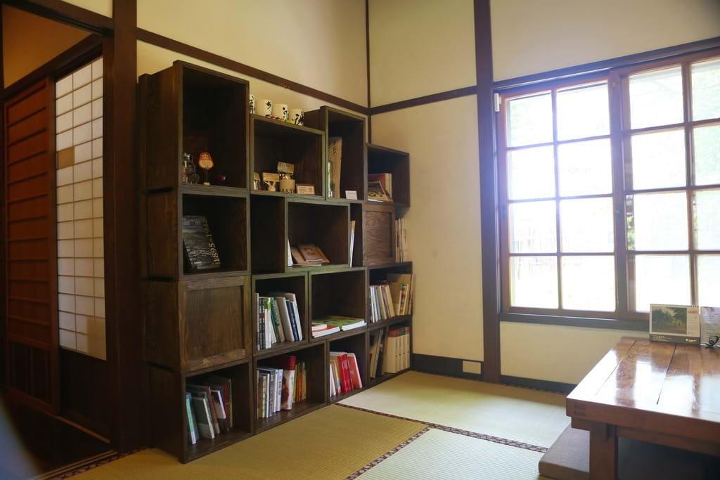 (圖/宜蘭勁好玩) ▲點一壺茶,選一本書,靜靜享受寧靜氛圍