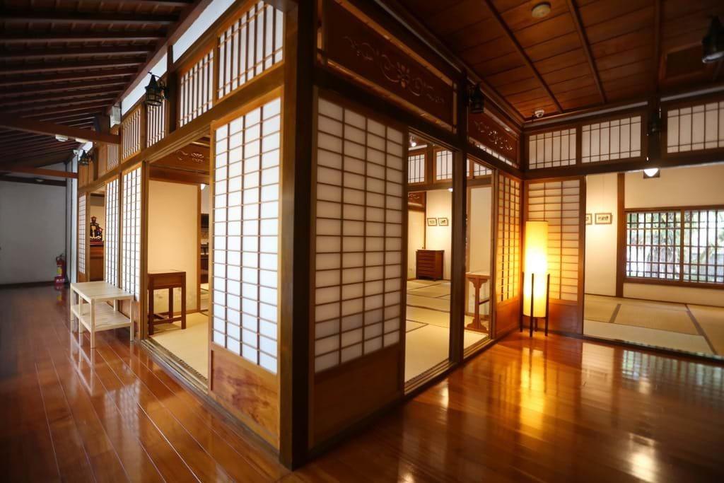 (圖/宜蘭勁好玩) ▲日式長廊還可聞到淡淡的檜木香