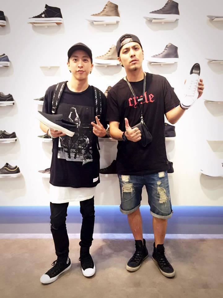 小祿(左)和嘎嘎是好兄弟。圖/摘自臉書