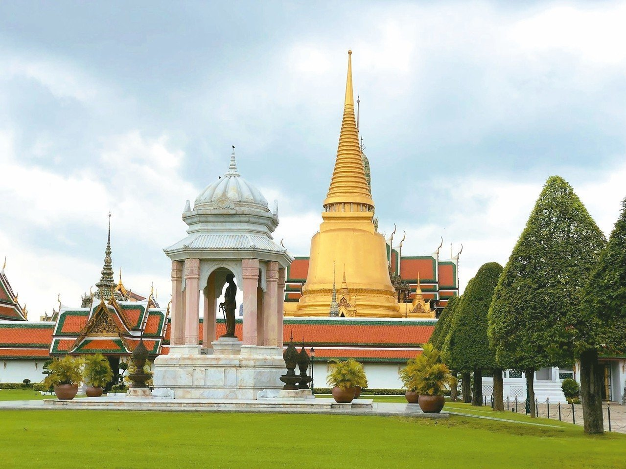我國今年8月才延長泰國免簽優惠,不過,國人赴泰國簽證,10月1日起卻將加收新台幣...