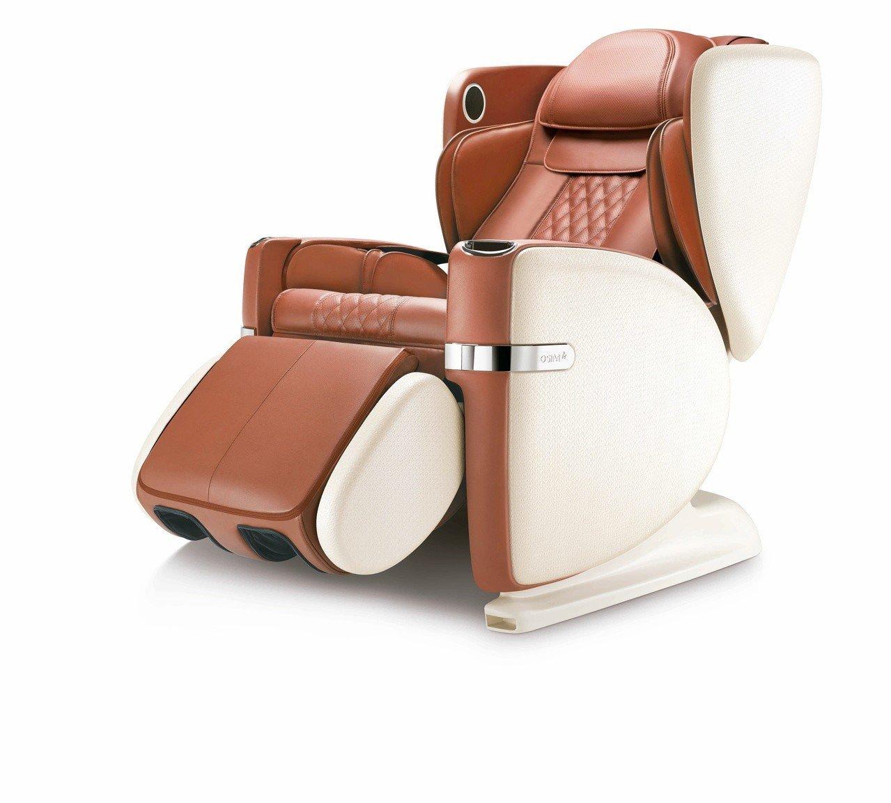 OSIM白馬王子按摩椅,原價168,000元,展品價118,800元。圖/OSI...