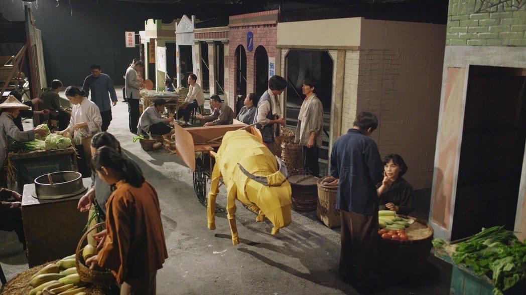 透過舞台劇佈景,走進呂赫若的小說世界裡。圖/客台提供
