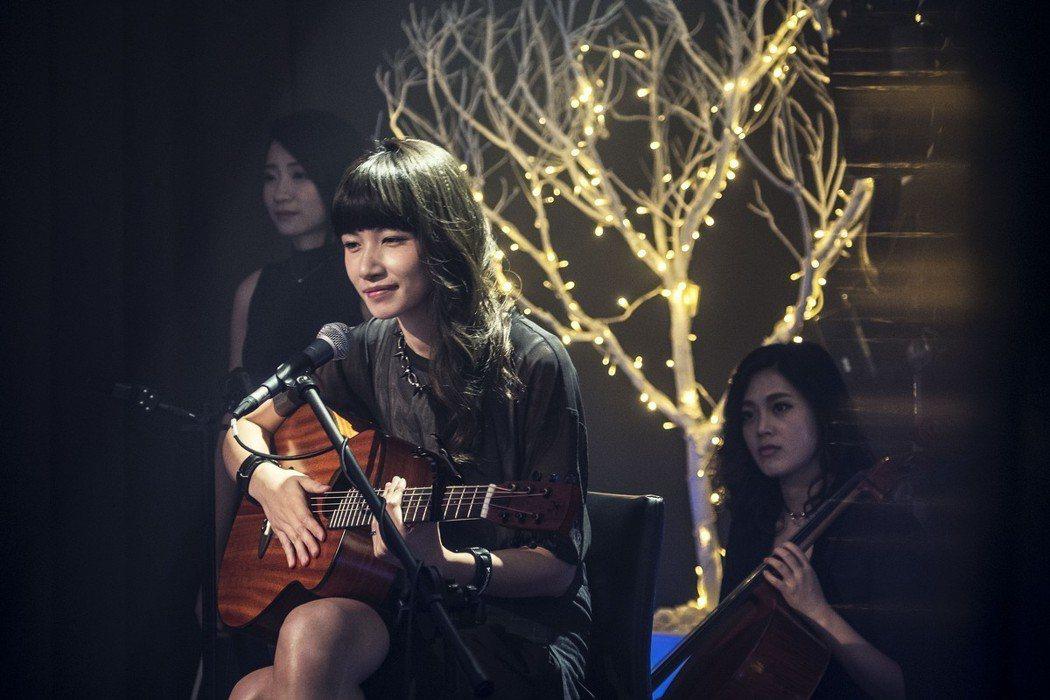 李千娜因「通靈少女」精彩演出獲金鐘獎,即將在HBO Asia最新紀錄片「通靈少女