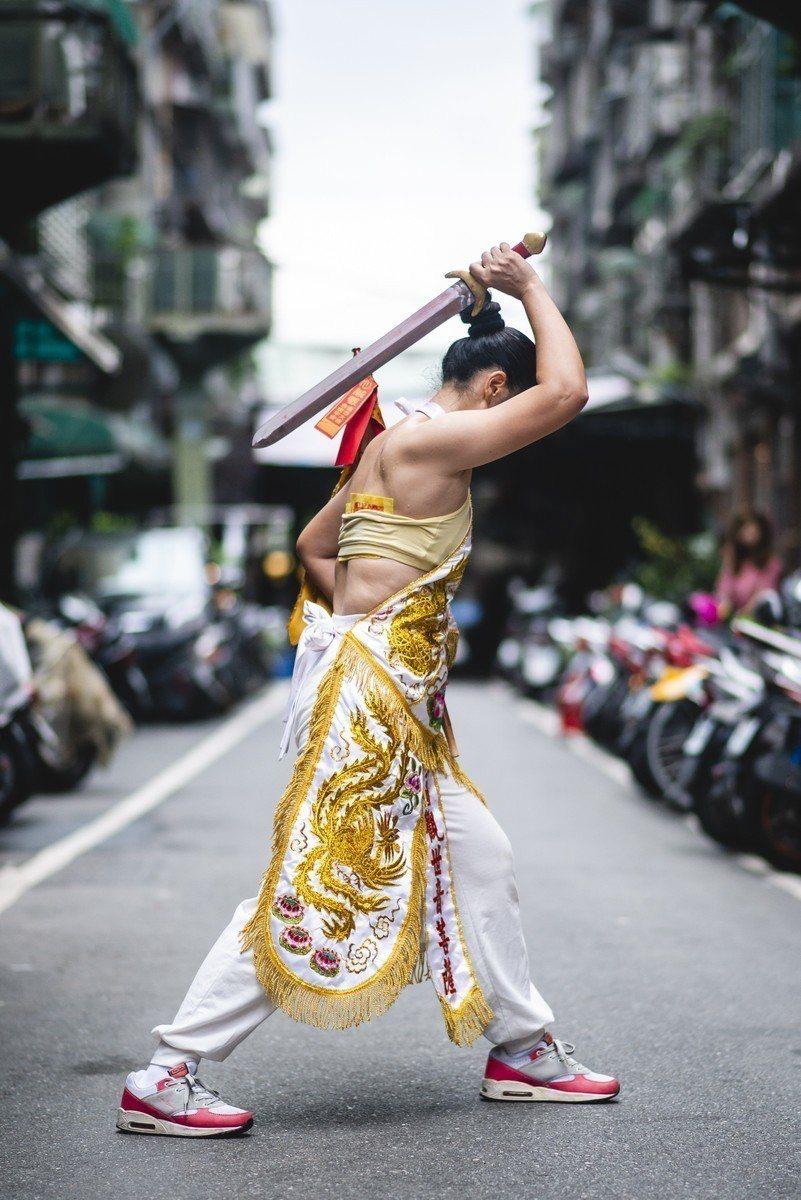 HBO Asia最新紀錄片「通靈少女背後的神隱世界」將呈現台灣的獨特民俗。圖/H...