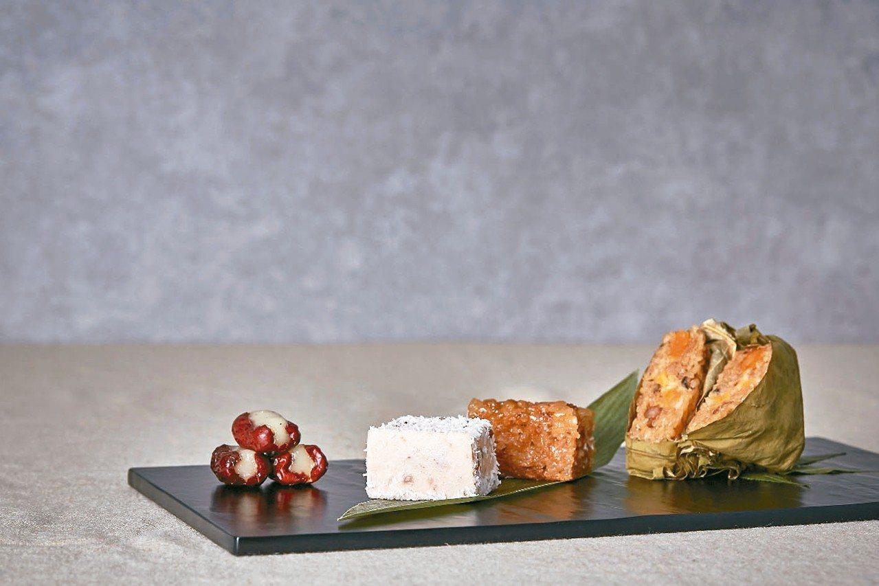 古色古香的小巧中式甜點,讓人彷彿穿越古今,享受宮廷御膳美食。 圖/王朝大酒店提供