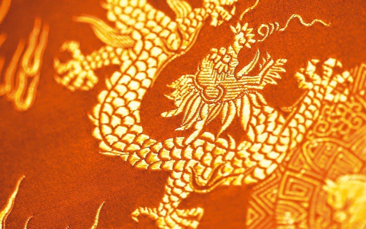 進宮前的技能充值,體驗蘇州刺繡文化。 圖/Nihaohello提供