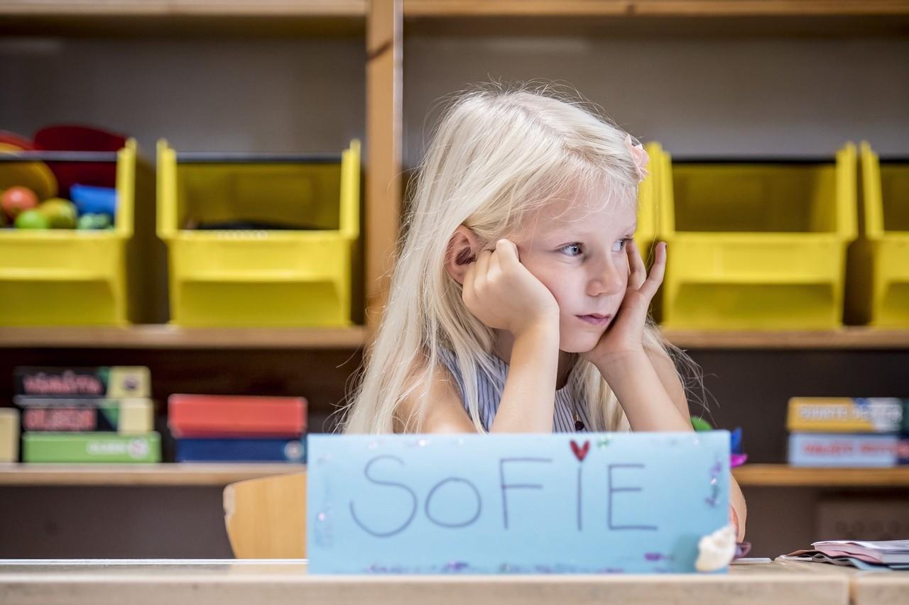 丹麥學生的年平均上學時數是全球最高。 (歐新社)