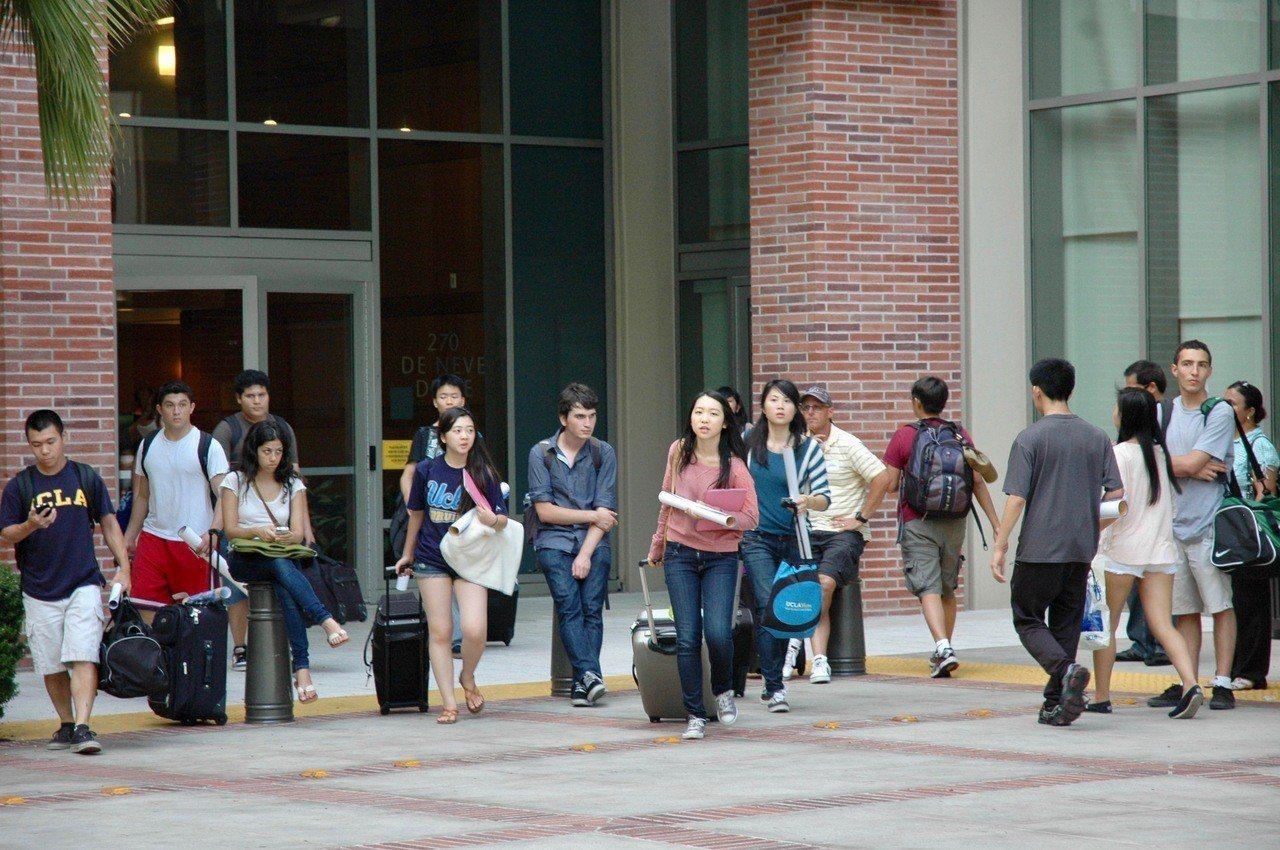加州大學關注SAT洩題事件,招生沒有單項決定因素。記者丁曙/攝影