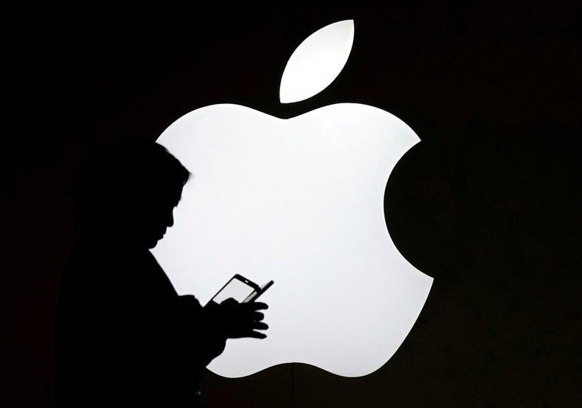 美系外資指出,因5.8吋OLED版iPhone相較LCD版設計區別不大,看壞前者...