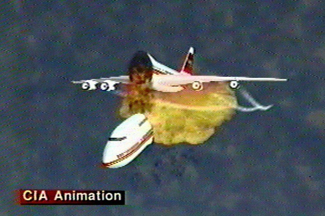 圖為1997年11月,環球航空800號班機爆炸模擬示意圖。 圖/美聯社
