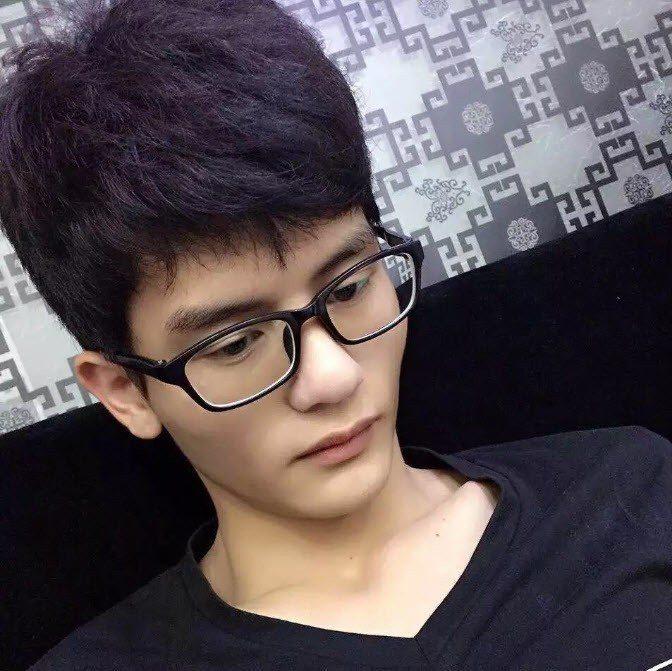 馮卓斌(圖)的父親痛喊:「我兒子才 24 歲啊!」 擷自微信