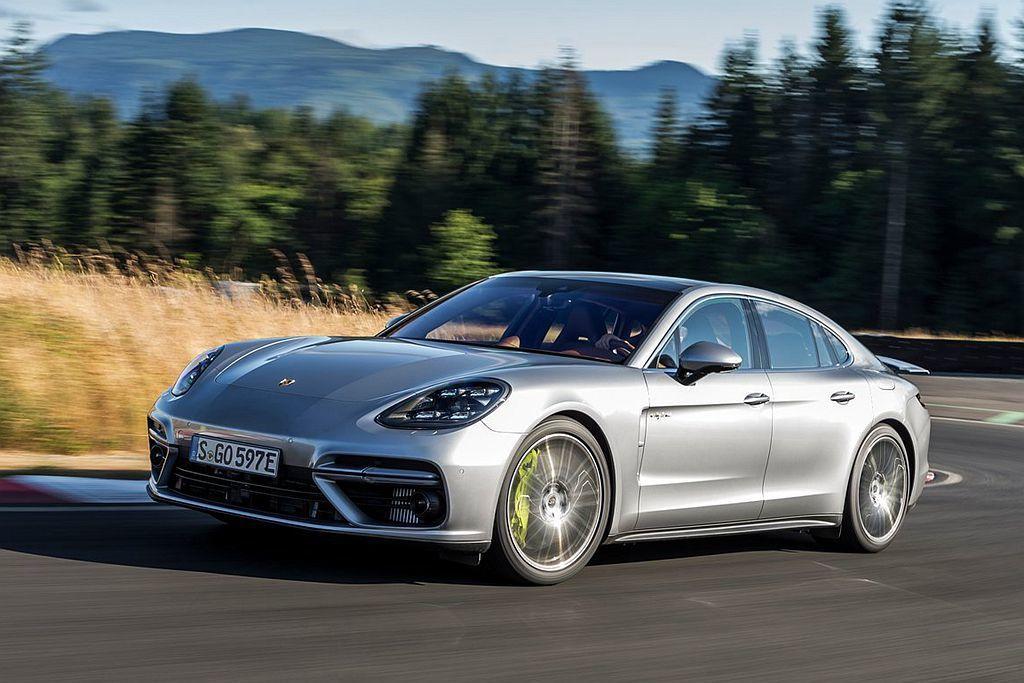 保時捷似乎還沒有完全放棄柴油引擎,但目前在歐洲市場已先停止供應柴油引擎車型,何時...