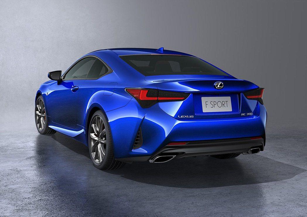 前後保桿的線條都做了修正,使車體看起來更精實。 摘自Lexus