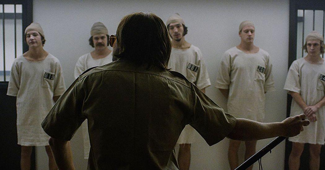 金巴多的實驗試圖想釐清在監獄空間裡,人的行為到底如何出現極端的變化;在當時美國的...