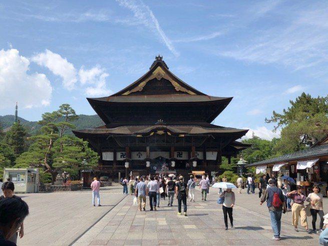 長野善光寺本堂,日本規模相當大的木造文化財建築物 圖文來自於:TripPlus