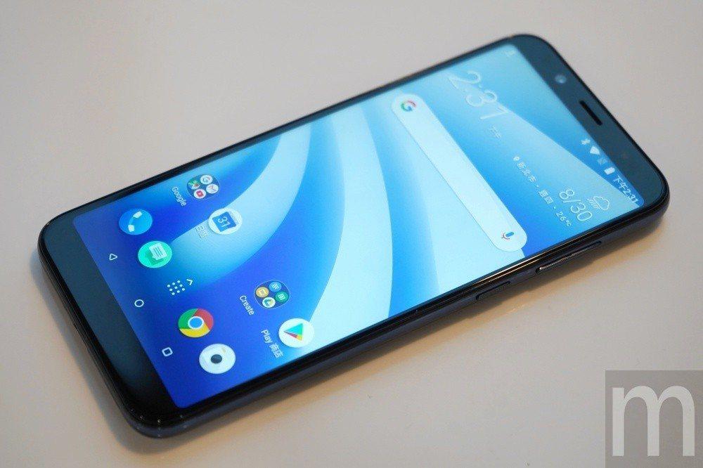 內建作業系統基於原生Android 8.1設計,但本身並非以Android On...