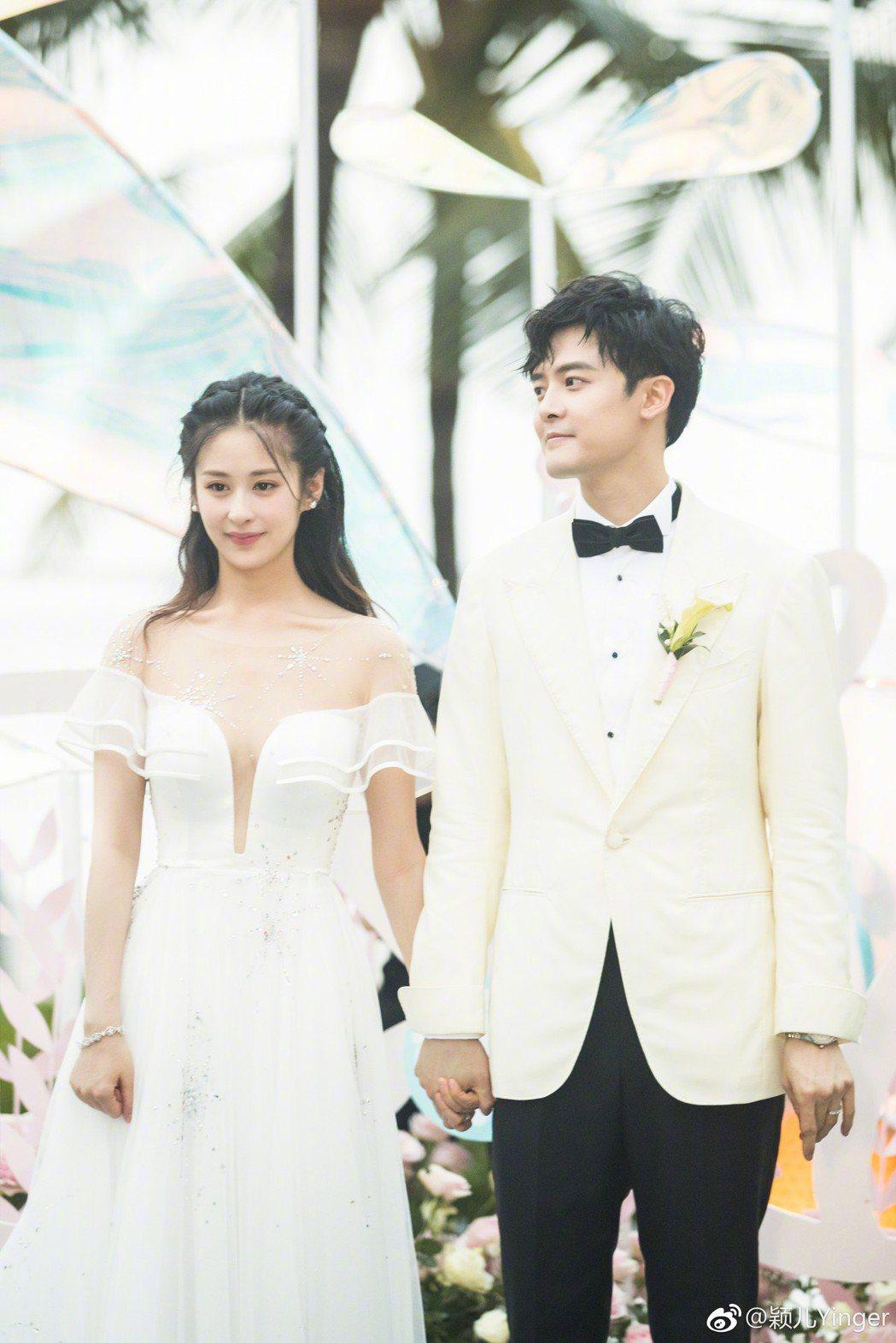 穎兒(左)與付辛博今年結婚。圖/摘自微博